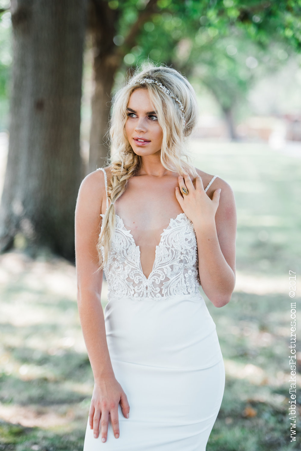 Saint Louis Bride Magazine : Abbie Takes Pictures  Made With Love Bridal