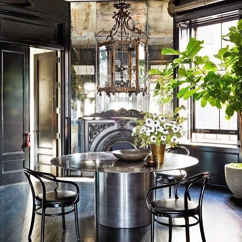 CELEBRITY HOMES - The monochrome feel continues throughout her home, and just like Meg Ryan, the house boast timeless appearance with a touch of edginess. Do you know this is the 7th home she renovated? When asked, she said she loves renovating because it gives her control over the vision she wants to bring into the world...and we couldn't agree more!
