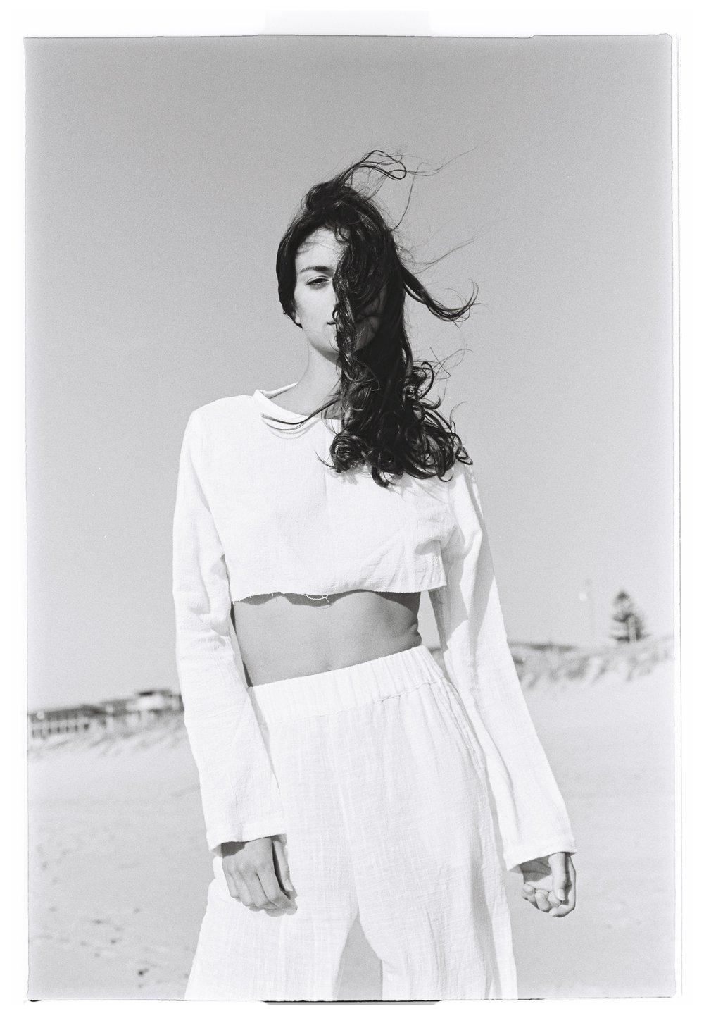 SAMANTHA FENDALL - Dylan Bow -4.jpg