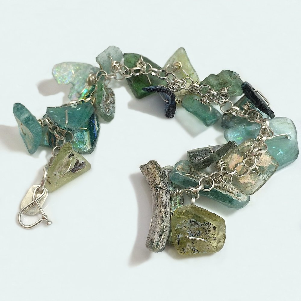 Roman Glass Chain Bracelet.jpg