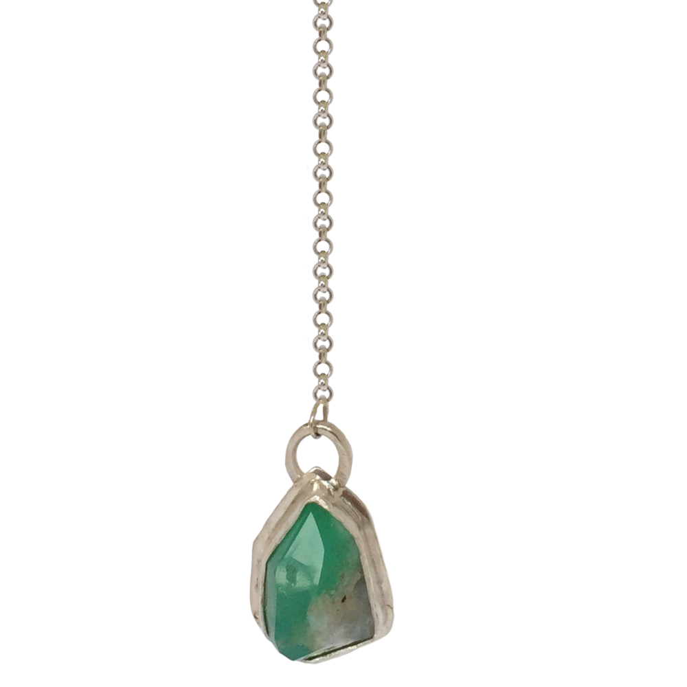 Edited Chrysoprase Y Necklace 3.png