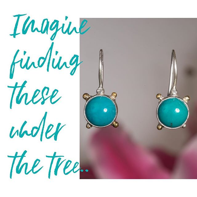 Only a couple of days left to order holiday gifts and receive them before the 25th! Our Turquoise & 24k Dangles would make the perfect gift for any woman on your list. #turquoiseearrings #24k #finejewelry #artisanjewelry #blueandgoldjewelry #blueandgoldearrings #tarahutchjewelry #amputee #armymp #armyvet #militarypolice #inspiredjewelry #blessed
