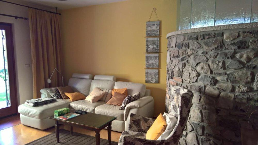 Pretty living room poke