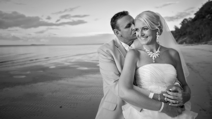 hervey bay wedding photographer-28.jpg