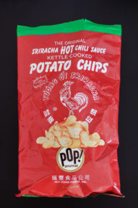 sriracha kettle chips, sriracha, hot chili sauce, red rooster, tuong ot, kettle chips, potato chips, asian food