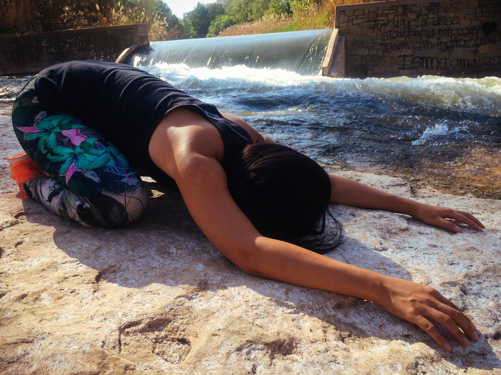 childs pose, practice yoga while sick, gentle yoga, hatha yoga, yin yoga, restorative yoga, balasana, rogue yogi, traveling yogi, meditation, relaxation