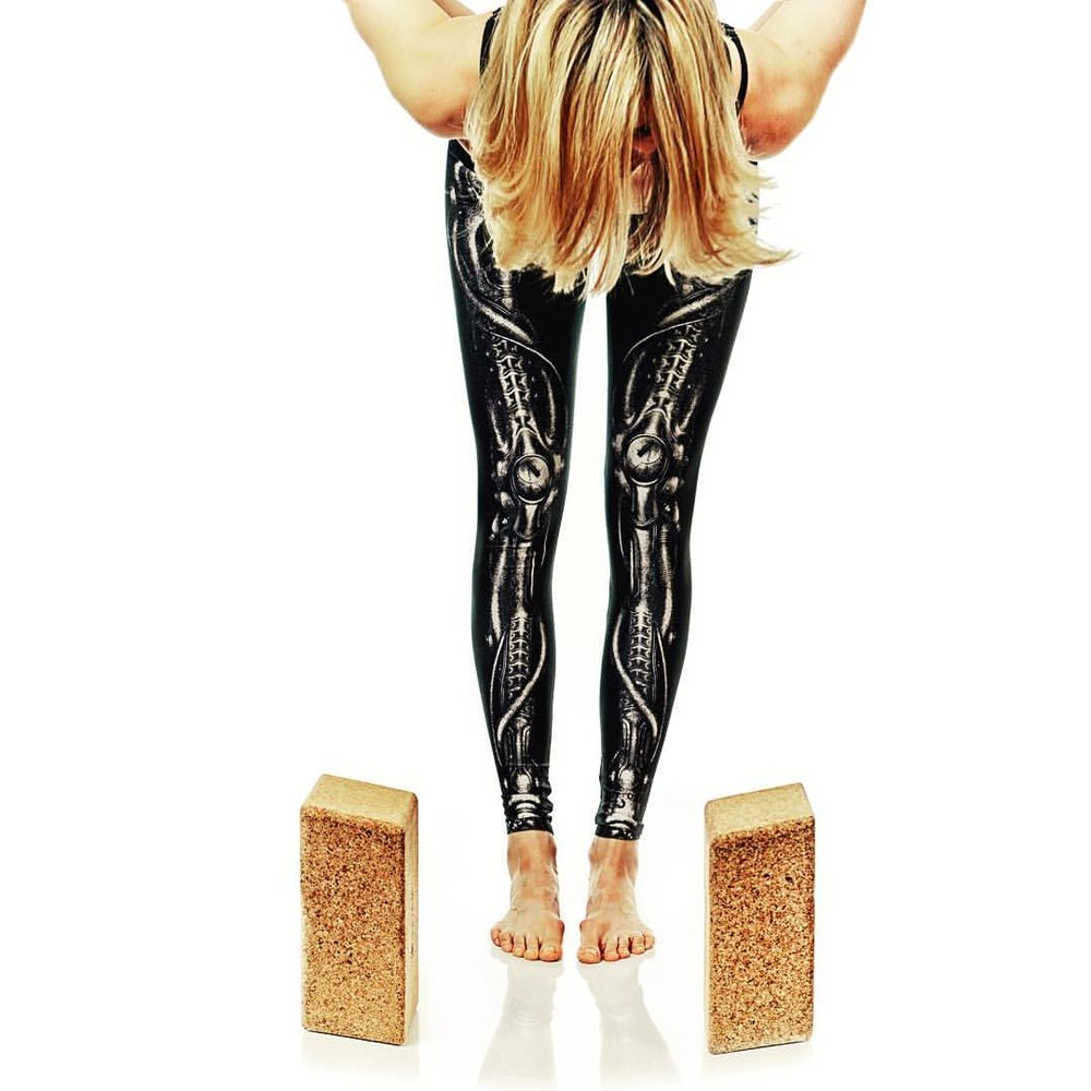 bones leggings photo.JPG