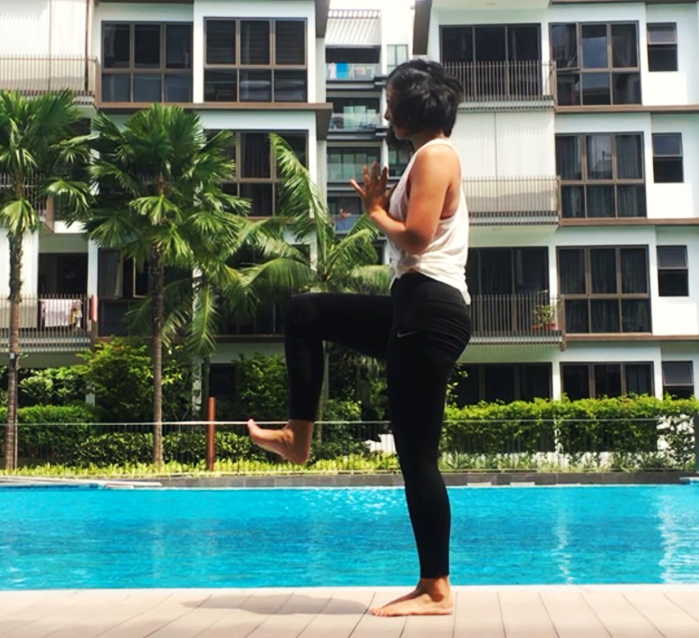 online_yoga_beginners_standing_lunge.jpg
