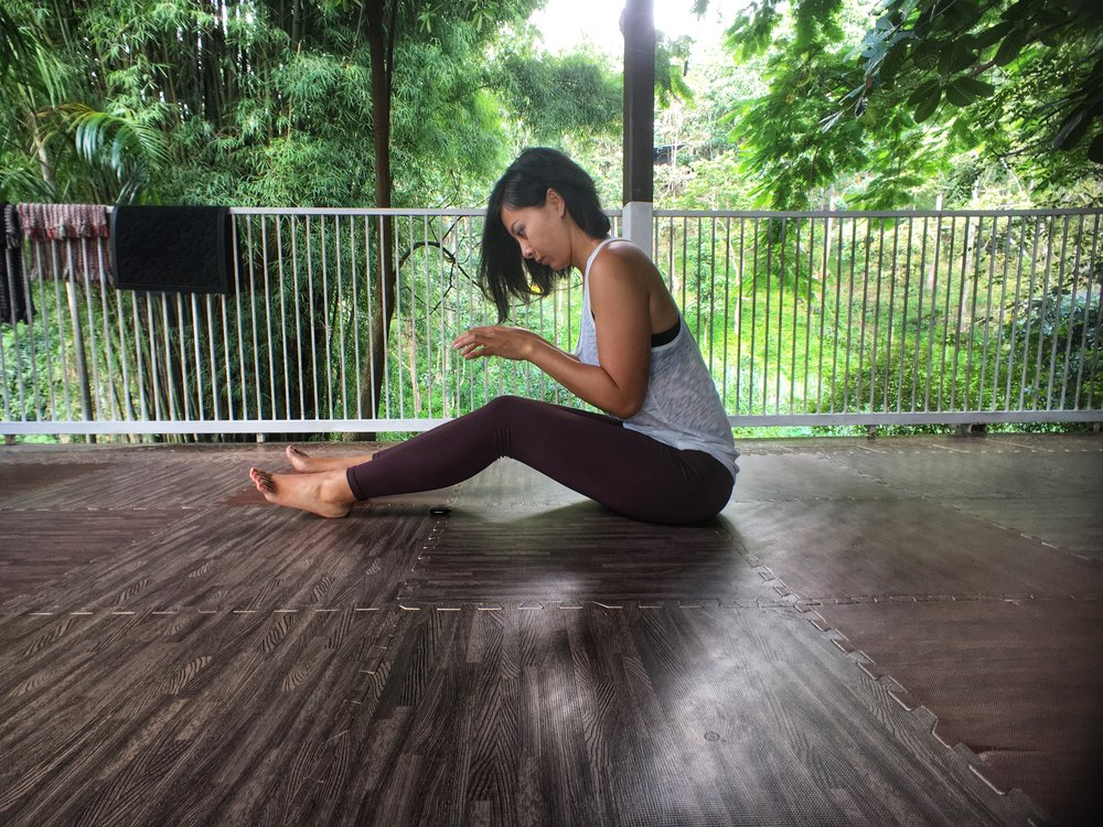 online_yoga_internal_external_rotation_sitting_dead_butt_syndrome.jpg