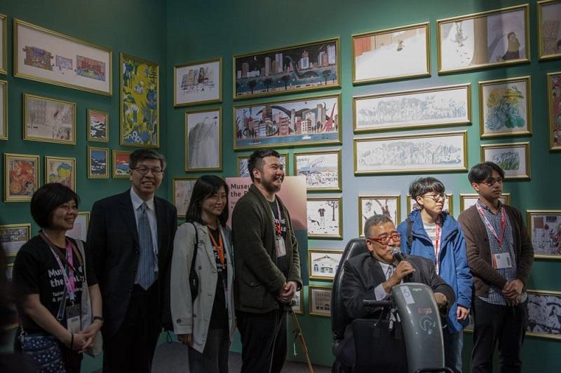 圖說:左到右:台北書展基金會新任執行長王秀銀、董事長趙政岷、柯倩華、鄒駿昇、董事郝明義、插畫家鄧彧、吳睿哲。