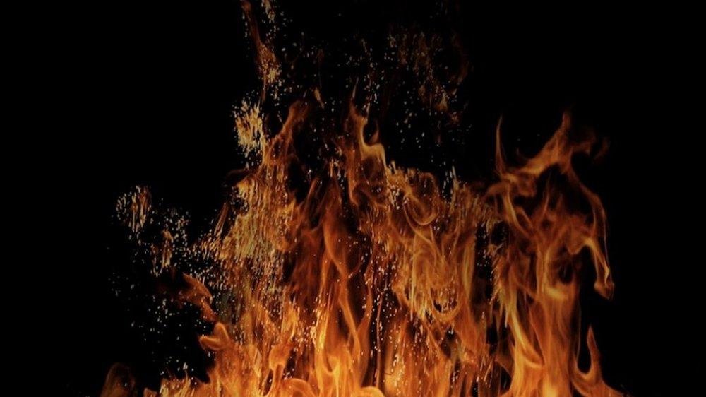 fire-2101471_1920.jpg