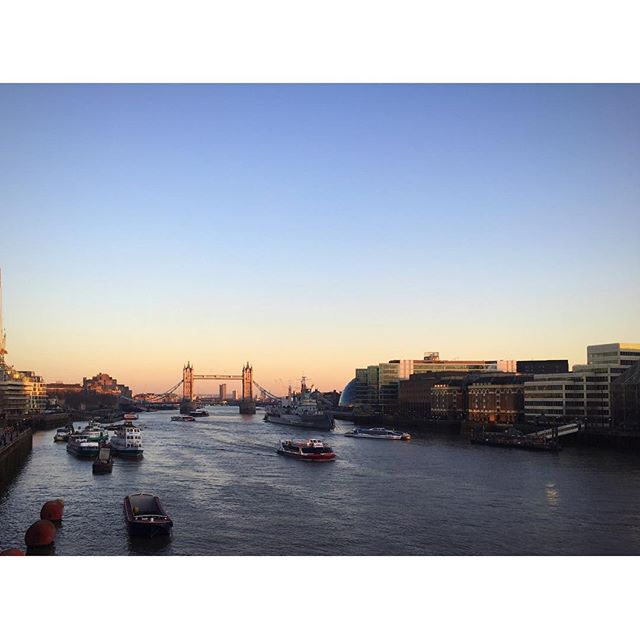 Love winter sunsets and London ❄🌞