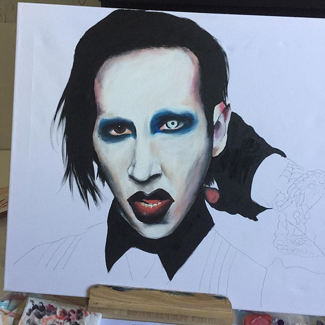 PRODUCTIVE AFTERNOON PAINTING @marilynmanson AND learning about Charles Manson 💀 not looking forward to painting that bracelet tho