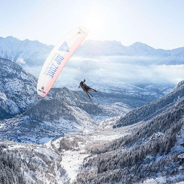 Erst gestern war's noch so schön am Morgen... #paragliding #airvolution #belalp #blatten #brig