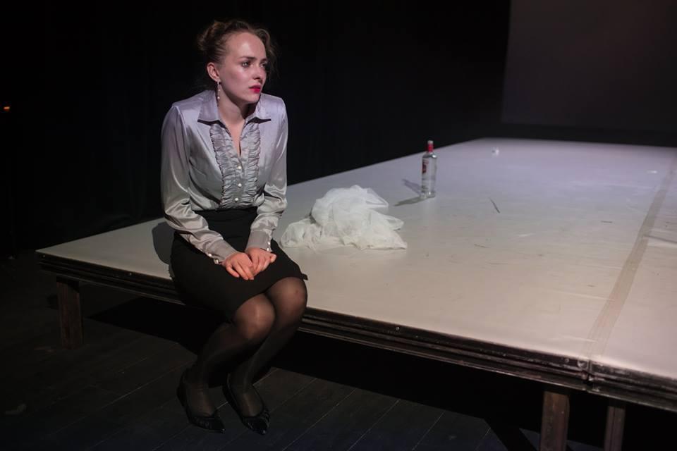 Divadlo Disk Theatre - Ivan Vyrypajev: The Drunks (directed by Alžběta Burianová)- Linda