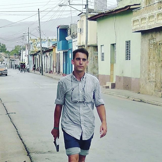 #fbf 🇨🇺 There and Back Again. Adventures included cave swimming in the dark, boarding with a béisbol pelotero, hitchhiking on a tractor, drunk spelunking, unearthing a fossilized cave chupacabra, accidental Sultan Kösen sighting, Che's air-conditioned tomb, jungle waterfalls, and US Immigrations. Stunning country. Superb company.