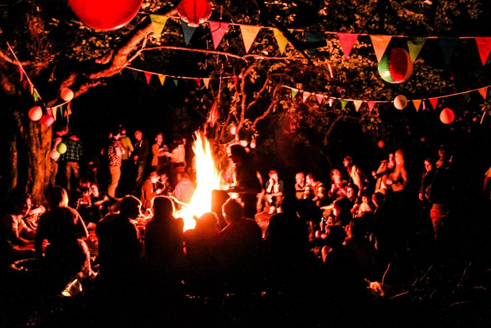 Ballads In The Bush: Deep in the wilderness a gathering of musicians,artists make the forest home for a night where it's transformed into a spectacle