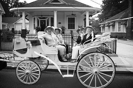ladies on white visavis on Charpentier.png