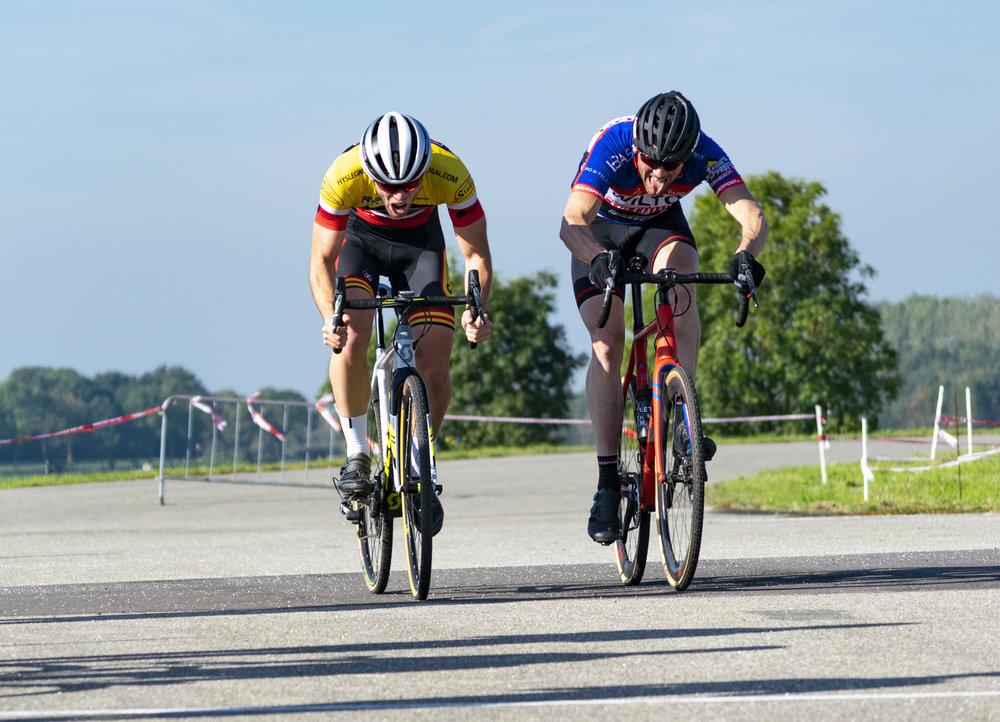 Links: Koen Timmermans (2e plaats), rechts: Roel de Vries (1e plaats)