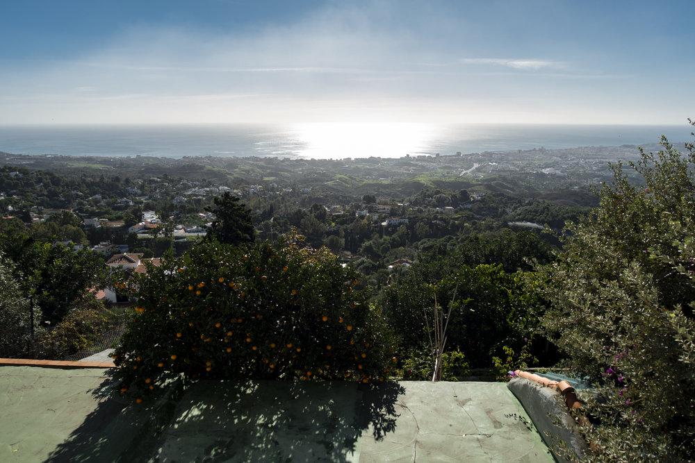Uitzicht zee vanuit park La Muralla