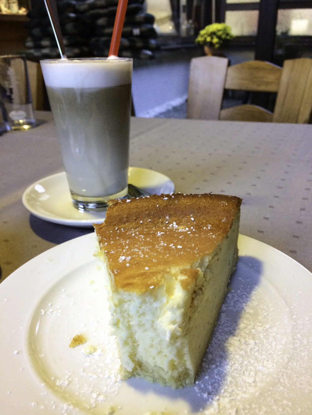 German Latte and Cheesecake