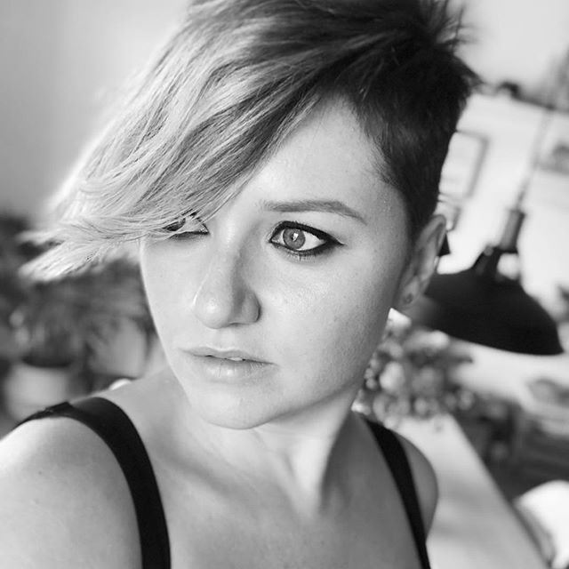 🖤 it's up to you 🖤 . . #monday #currentmood #fotd #eyeliner #pixie #pixiecut #summer #vacaciones #lunes #buenosdías #blackandwhitephotography #bw #bimami