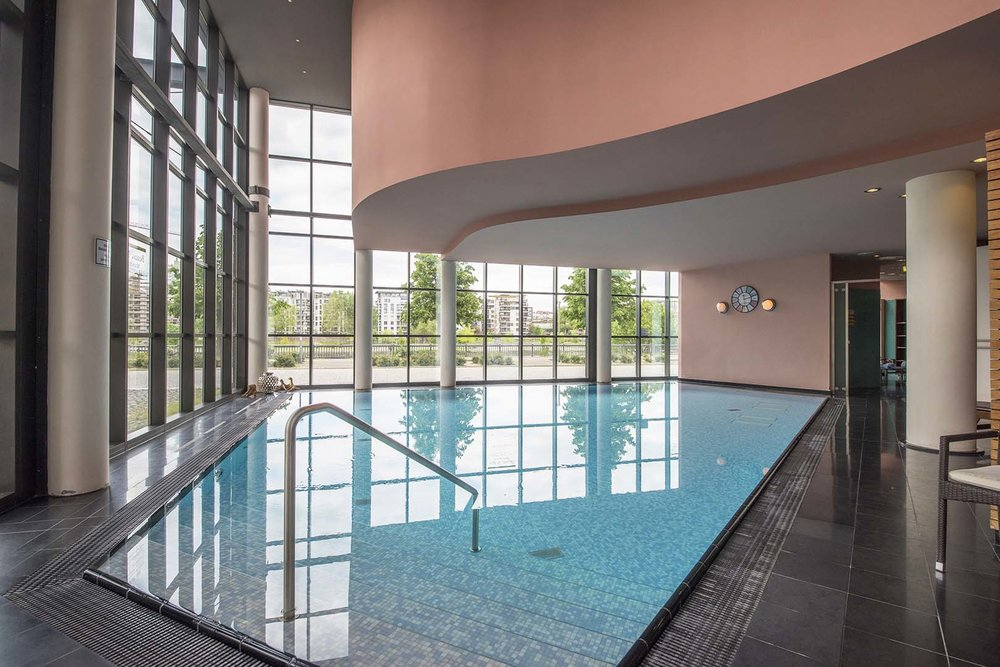 SWIMMING POOL, MAIN PLAZA BEAUTY, LINDEN HOTEL, FRANKFURT