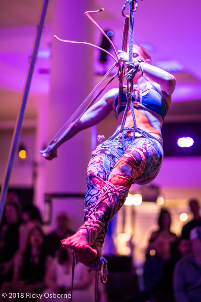 Performing at Seattle Erotic Art Festival. Leggings from  here  :-)