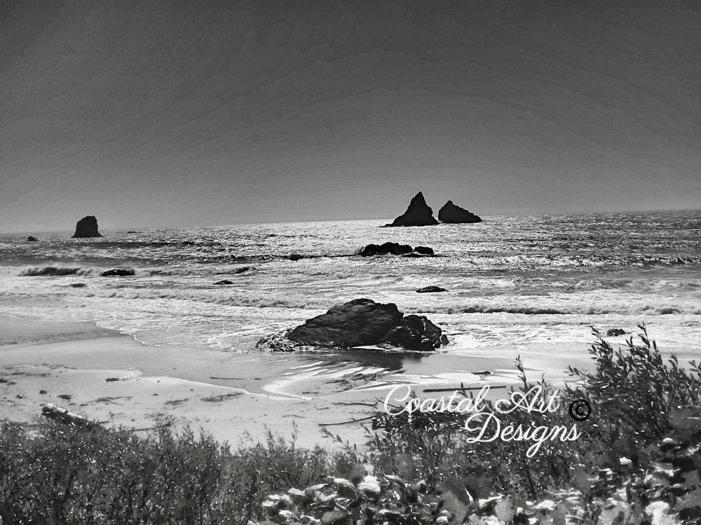 black-white-oregon-beach-art-print.jpg
