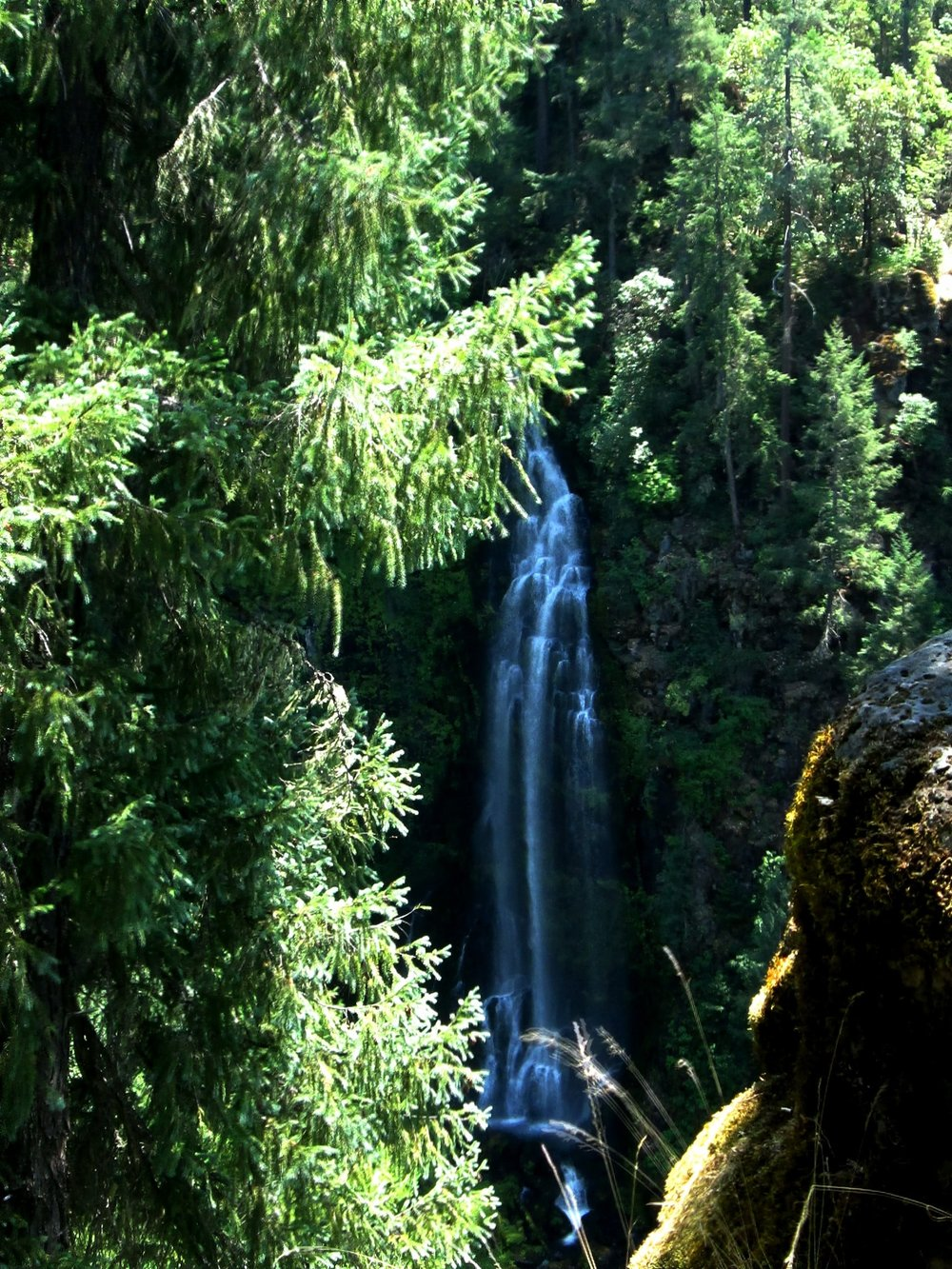 barrs-waterfall-oregon-min.jpg
