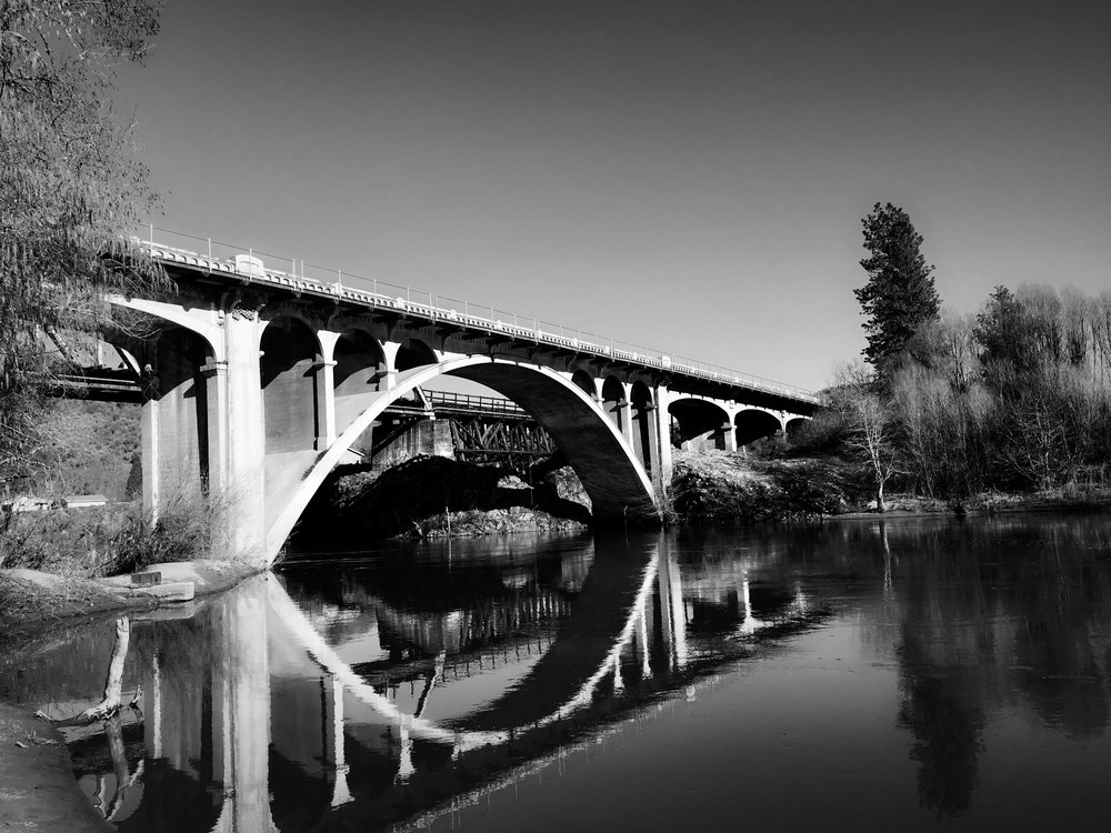 black-and-white-goldhill-bridge-oregon-photo copy-min.jpg