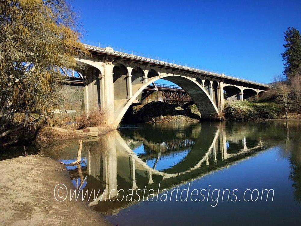 gold-hill-bridge-oregon-photography-min.JPG