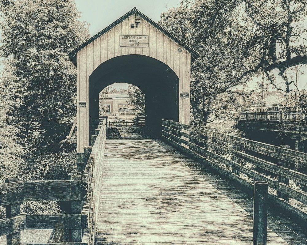 eagle-point-vintage-bridge-oregon-photo-8x10-min.jpg