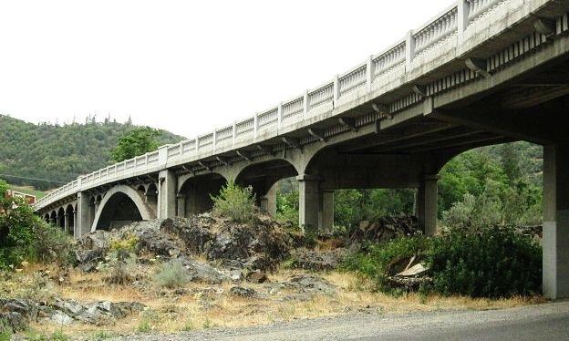 gold-hill-bridge.JPG
