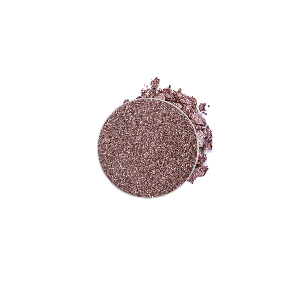 This gem!!!! I wear this shadow every single day on my lid to add a lil shimmer :) (called pink champagne btw)
