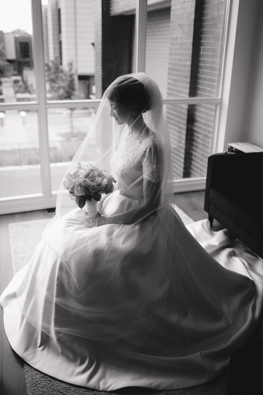 bride portraite toronto.jpg