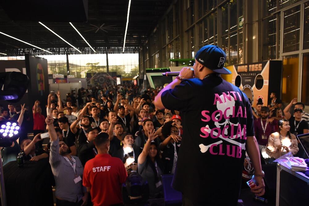 vape_south_america_live_entertainment.JPG