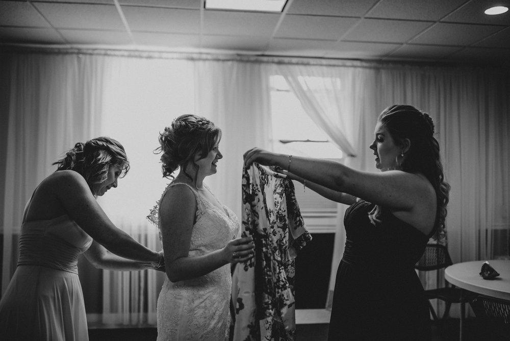 ApkePhotography_WeddingInWarrenton_Kaylee&Michael_38.jpg