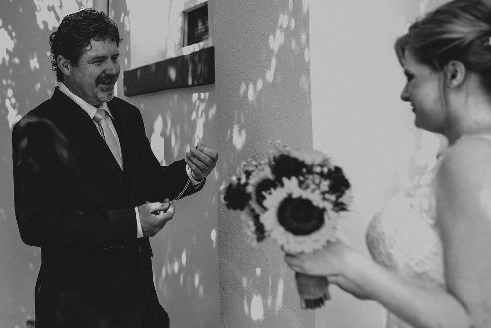 ApkePhotography_WeddingInWarrenton_Kaylee&Michael_45.jpg