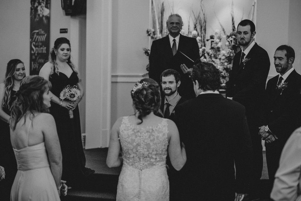ApkePhotography_WeddingInWarrenton_Kaylee&Michael_52.jpg