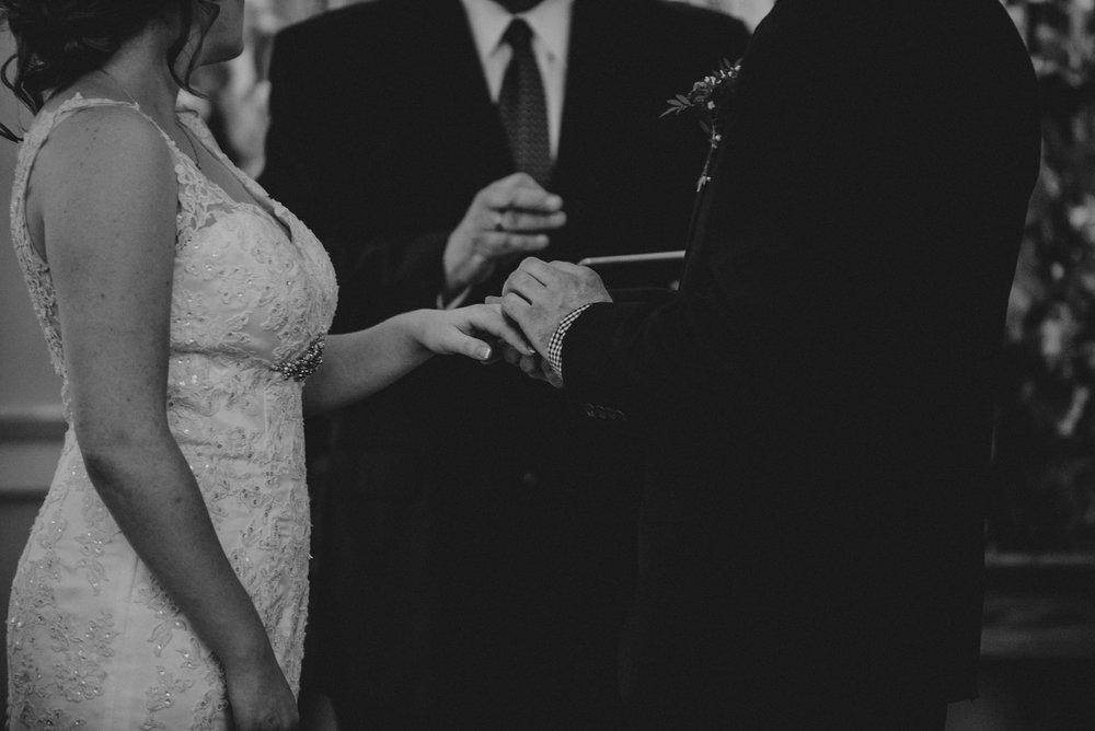ApkePhotography_WeddingInWarrenton_Kaylee&Michael_55.jpg