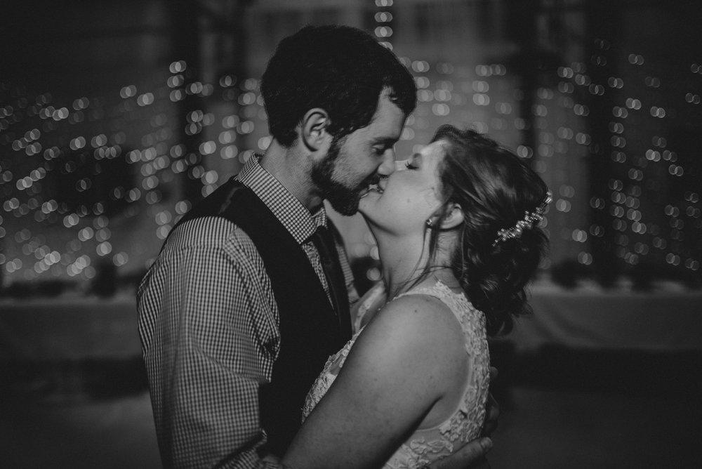 ApkePhotography_WeddingInWarrenton_Kaylee&Michael_82.jpg