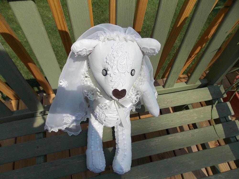 bride bear 3.jpg