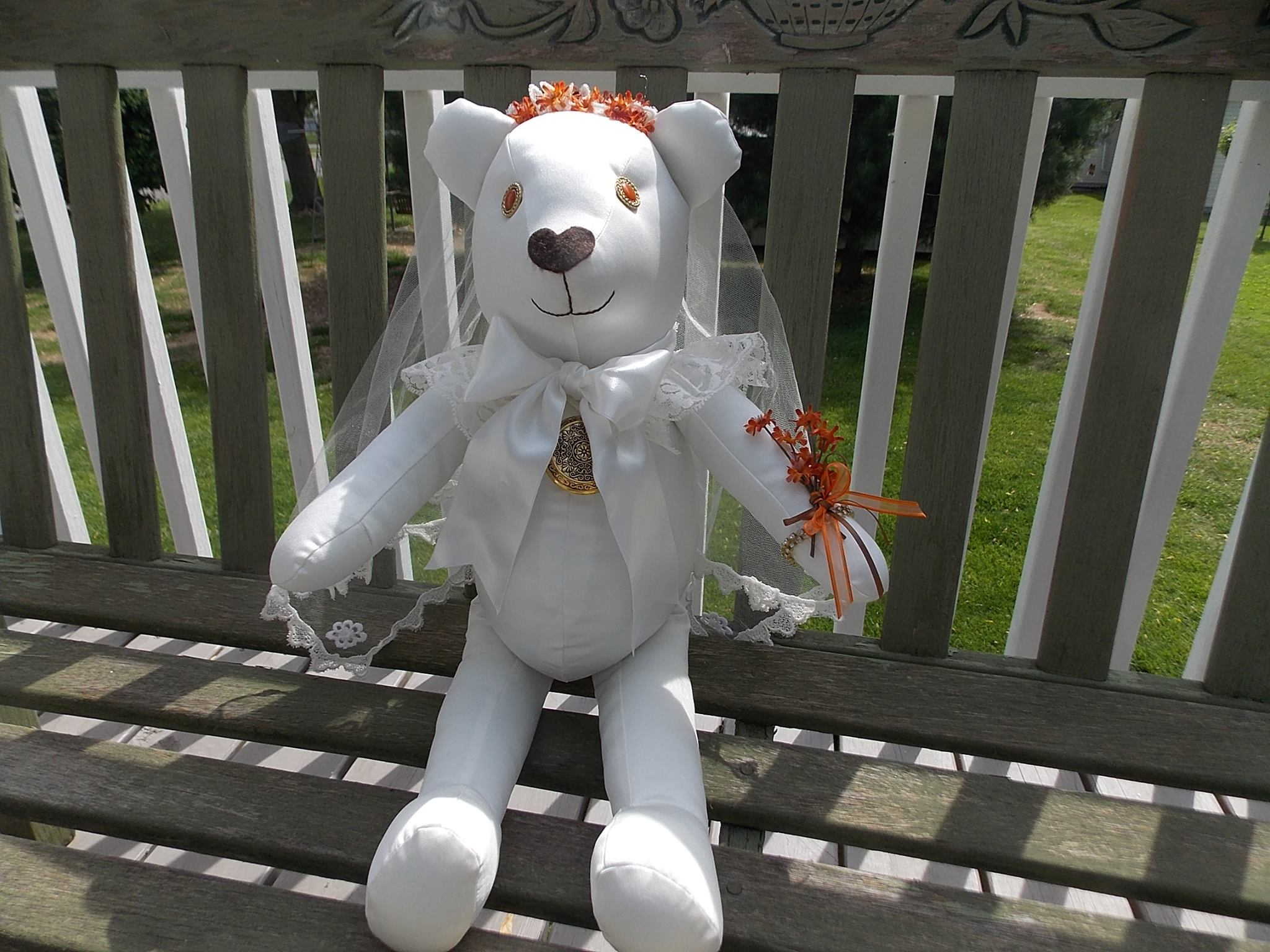 fall bride bear.jpg