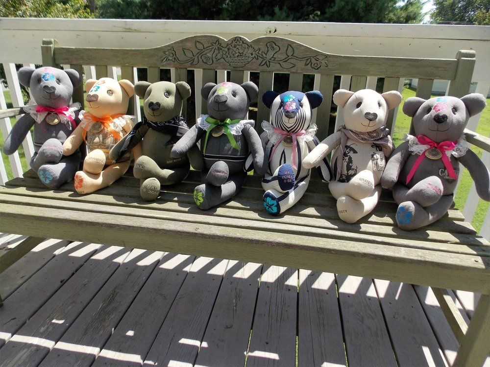 bears on a bench 2.jpg