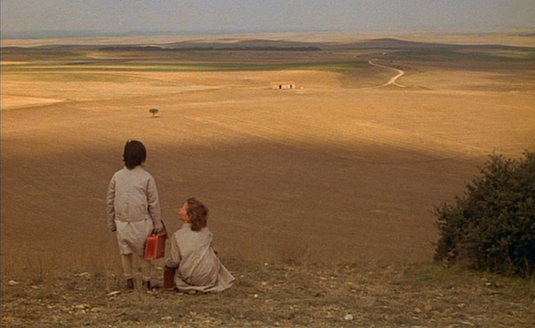 Anna Torrent and Isabel Tellería in El espíritu de la colmena (1972) dir. Victor Erice.