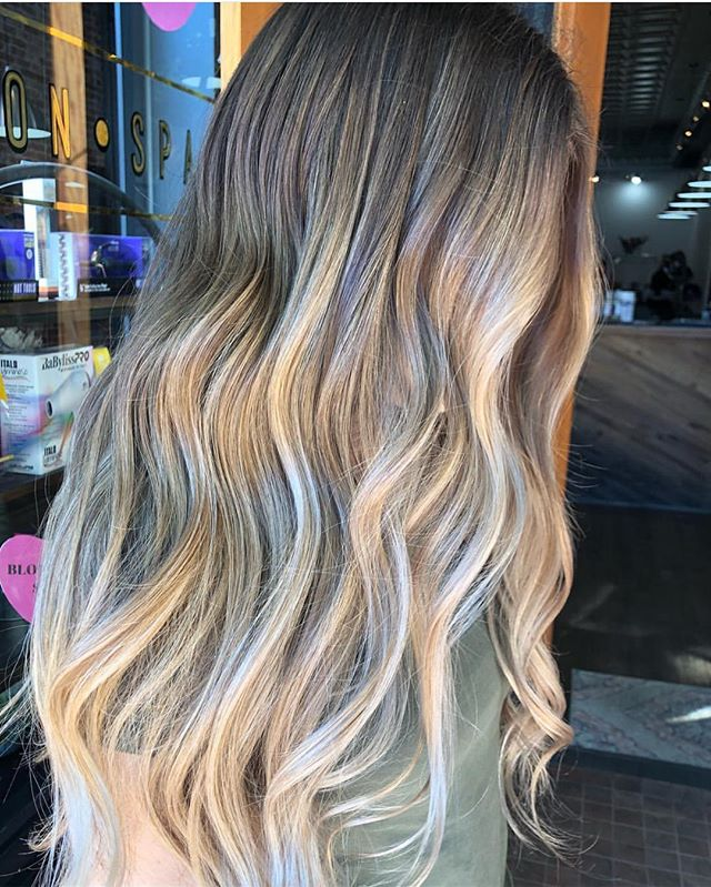 ☀️✌🏻 @mikaylaaa44 ✌🏻☀️ . . . . . . #slohairstylist #slohair #handpainted #balayage #slo #slostylist #slosalon #slospa #moonriversalon #moonriversalonandspa #slolife #hairoftheday #cosmoprofbeauty #licensedtocreate #bestofbalayage #blonde #shareslo @oneshothairawards #colormelt #babylights #wella #hottools #randco #redken @wellahair @wellaeducation @redken @hottoolspro @ibizahairtools #ibizabrushes @oligopro @gkhair #oligopro #purpleshampoo #gkhair @bestofbalayage @stylistssupportingstylists @behindthechair_com @behindthechair_stylist @behindthechair_oneshot