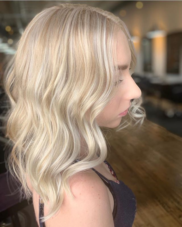 ☀️ @nod.beauty ☀️ . . . . . #slohairstylist #slohair #handpainted #balayage #slo #slostylist #slosalon #slospa #moonriversalon #moonriversalonandspa #slolife #hairoftheday #cosmoprofbeauty #licensedtocreate #bestofbalayage #blonde #shareslo @oneshothairawards #colormelt #babylights #wella #hottools #randco #redken @wellahair @wellaeducation @redken @hottoolspro @ibizahairtools #ibizabrushes @oligopro @gkhair #oligopro #purpleshampoo #gkhair @bestofbalayage @stylistssupportingstylists @behindthechair_com @behindthechair_stylist @behindthechair_oneshot