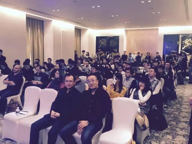 Vungle中国区GM黄奔阳先生 (左) 与Appcoach CEO 王剑先生 (右)