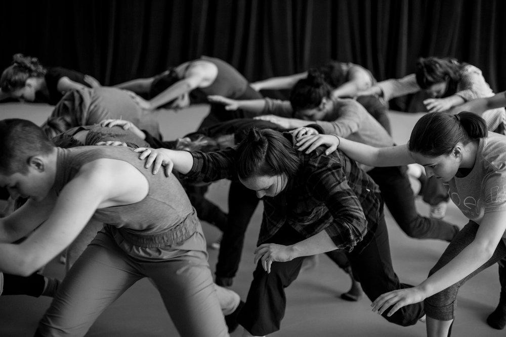 © Anne-Flore de Rochambeau // TransFormation Danse 2017 | Geneviève Robitaille, Elsa Tellier, Claire Whitaker